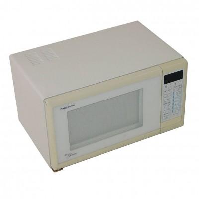M1003 - Microwave Oven - Panasonic Genius NN5752 - 750Watts